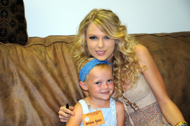 Jaycie with Taylor Swift